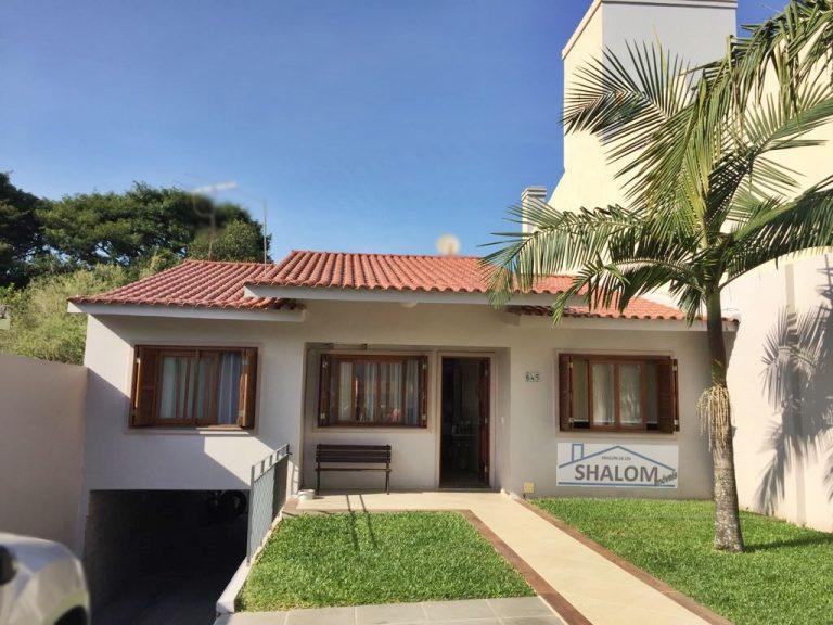 Linda casa à venda no Centro