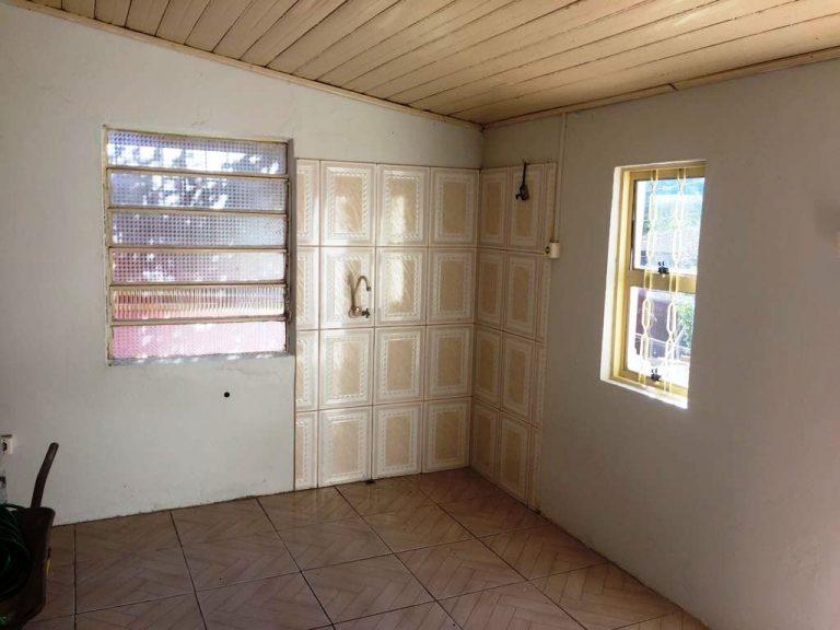 Casa com 02 dormitórios para Venda