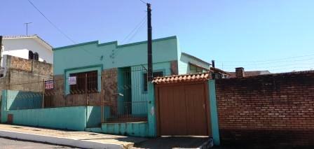 Casa com 02 dormitórios para venda em São Gabriel- RS