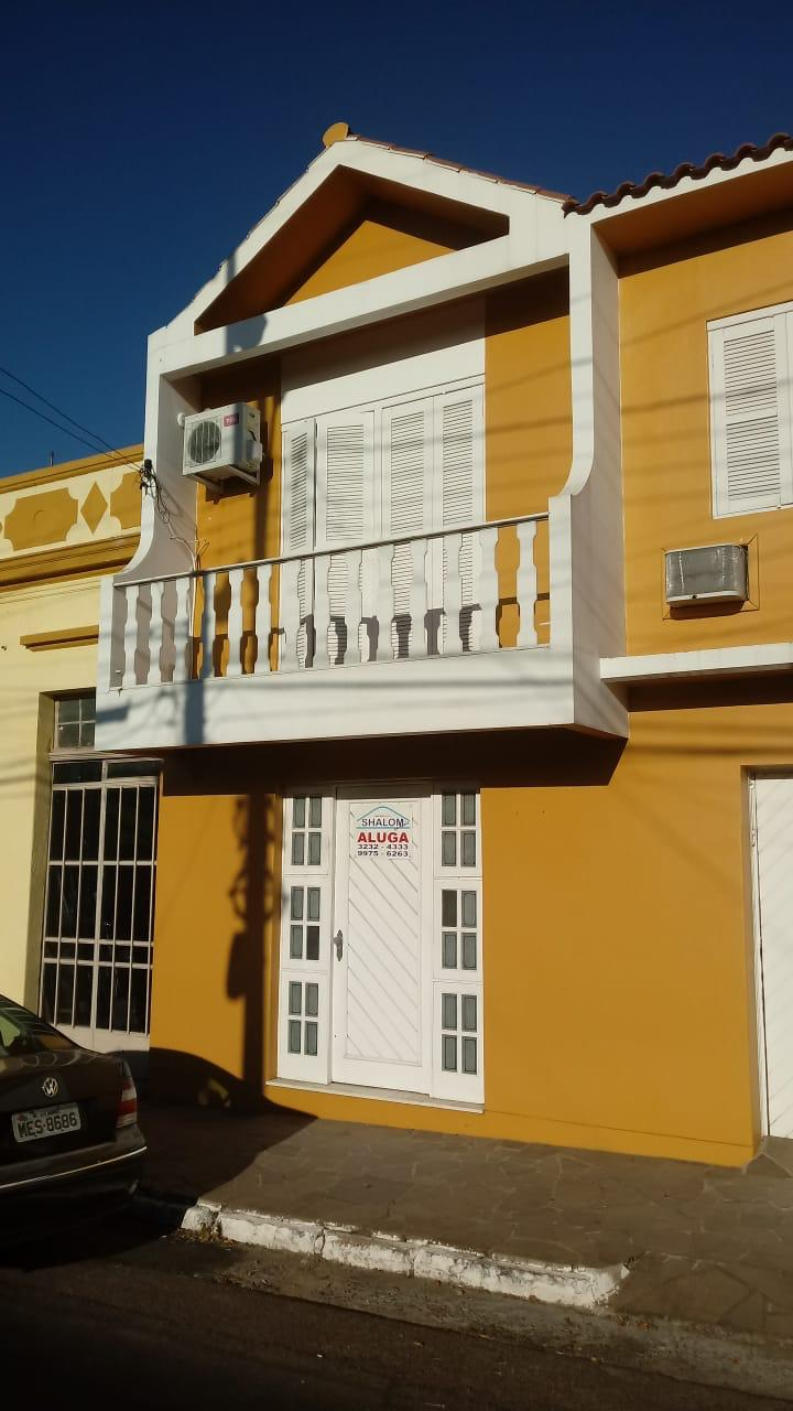 Ótima casa à venda no Centro